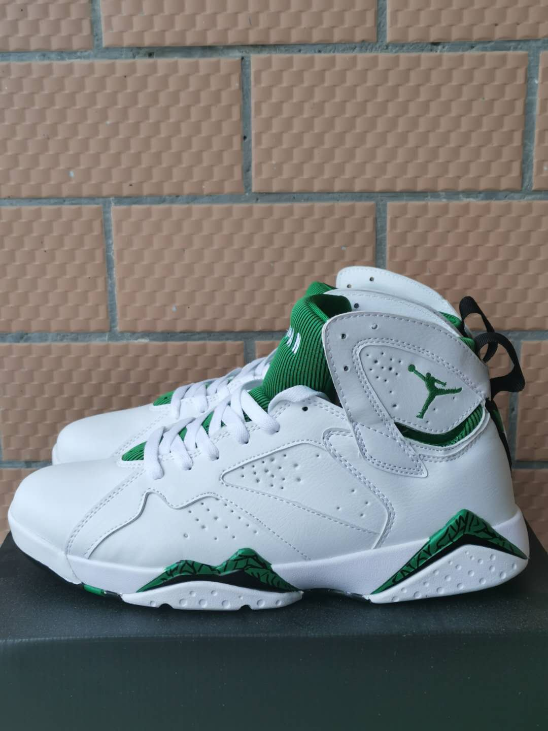 2002 Air Jordan 7 Retro White Green Shoes