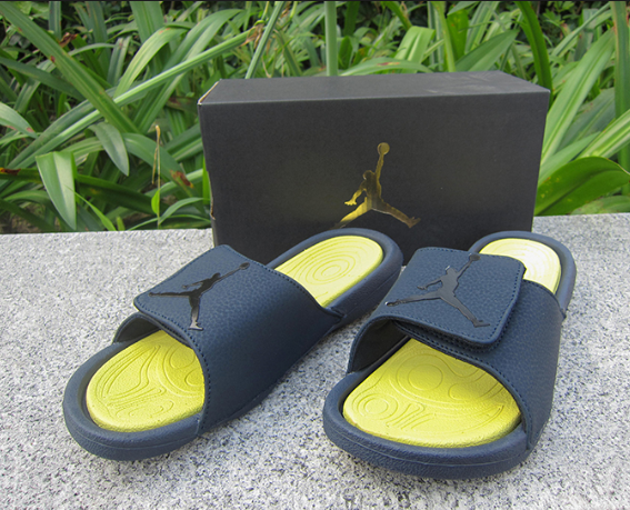 AIR JORDAN BLACK YELLOW SILDE