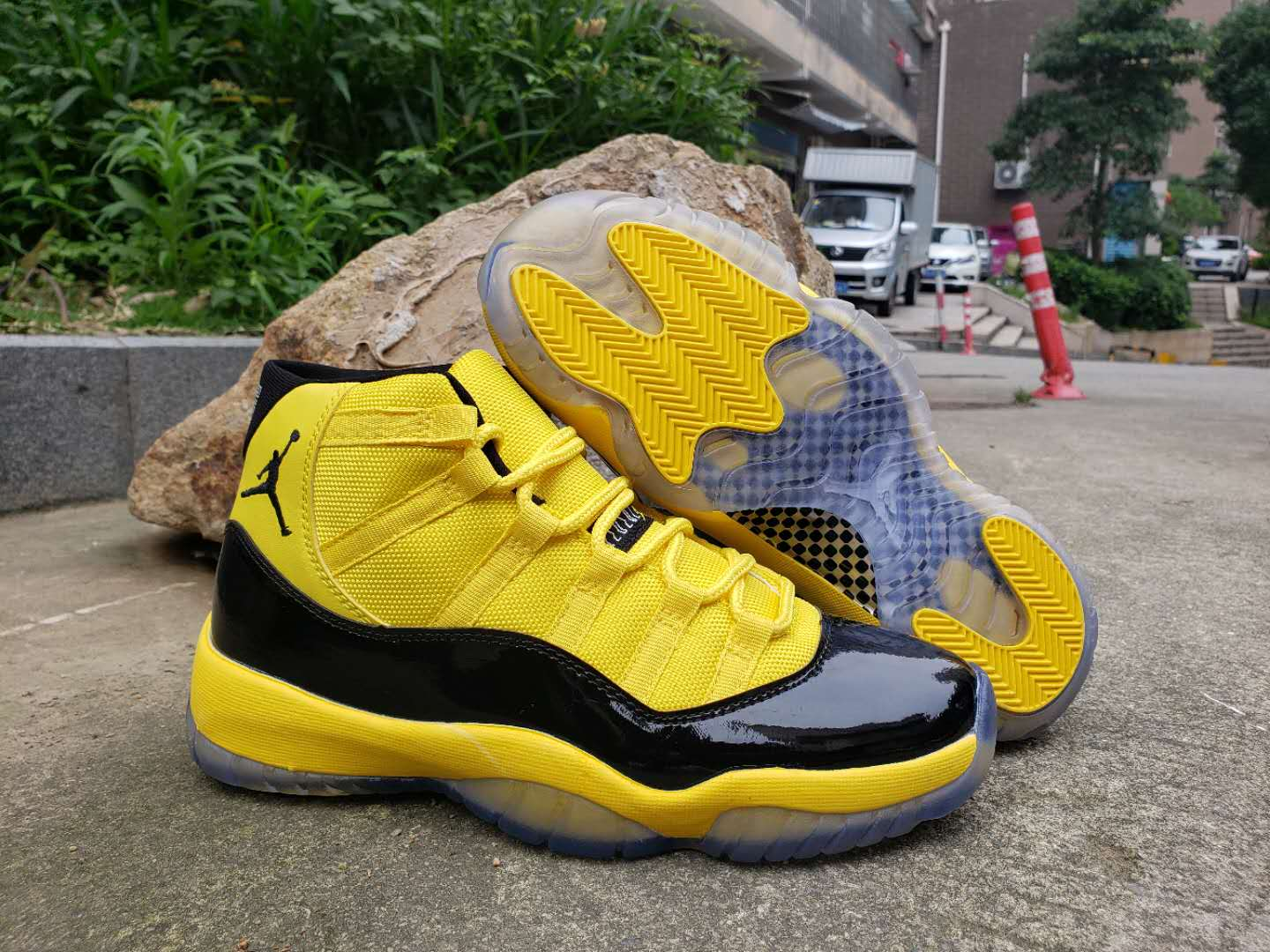 Air Jordan 11 High Bumblebee Yellow Black Shoes