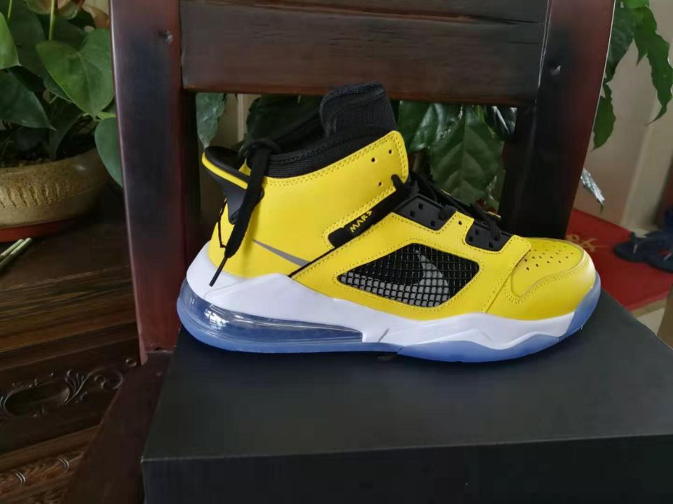 Jordan Mars 270 Yellow Black Shoes