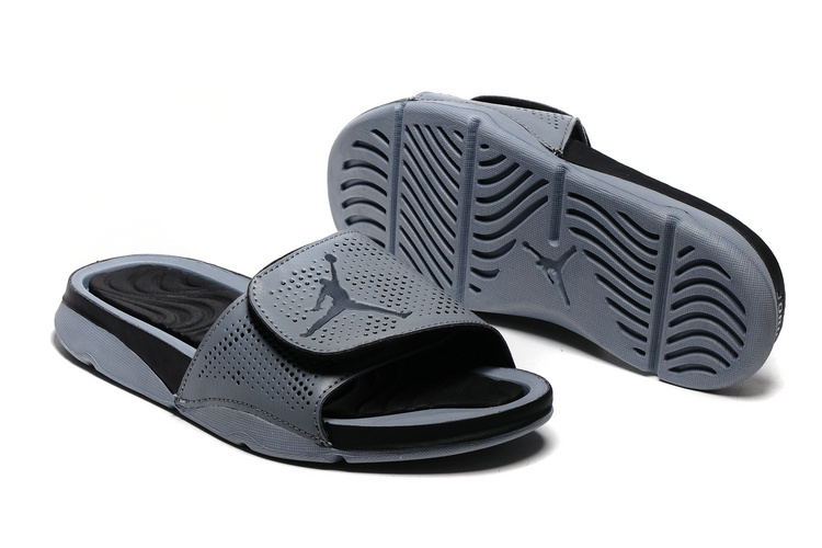 Jordan Hydro V Retro All Black Sandal