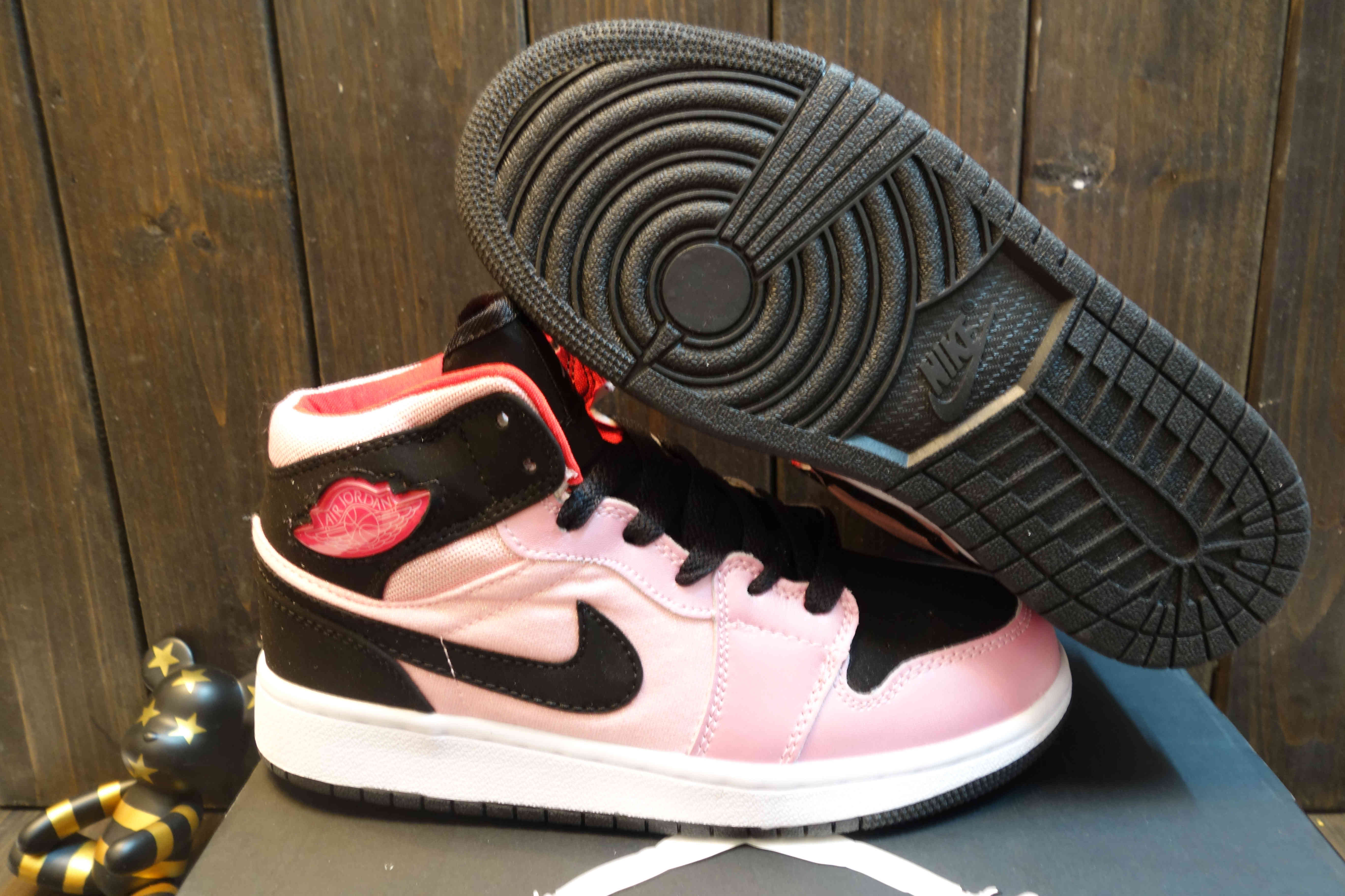 Women Air Jordan 1 high Black Pink Shoes